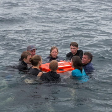 Life Cell Crewman - 8 pax in water