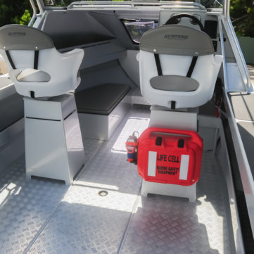 Life Cell Trailerboat with GME EPIRB